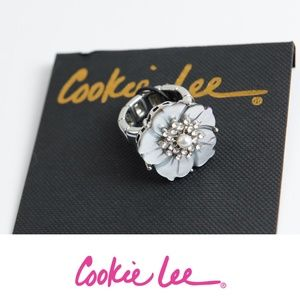 NWT Cookie Lee Stretch Ring With Shell Flower
